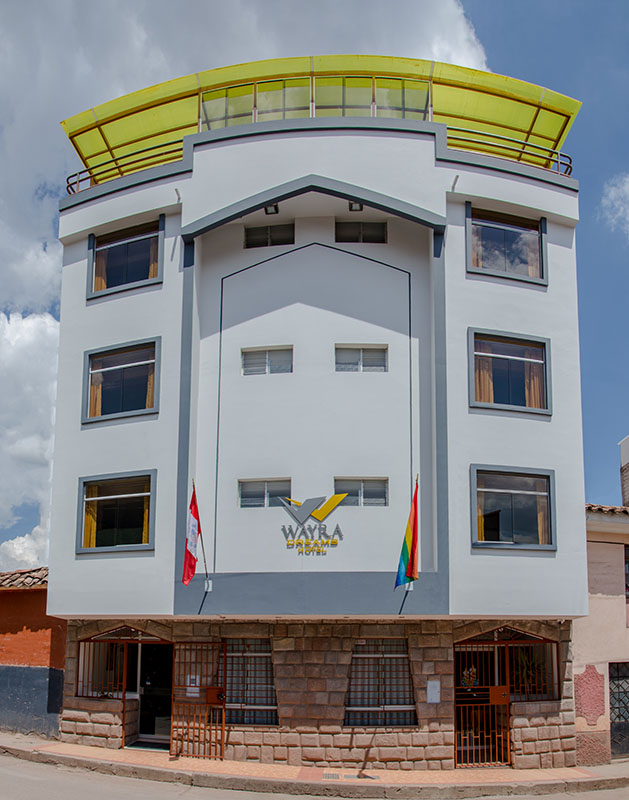 wayra dreams hotel front